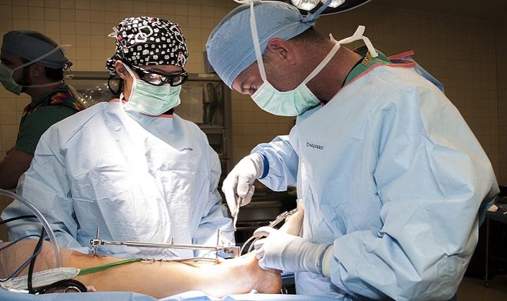 Army Orthopaedic Residents Fix Breaks Break The Mold Health Mil