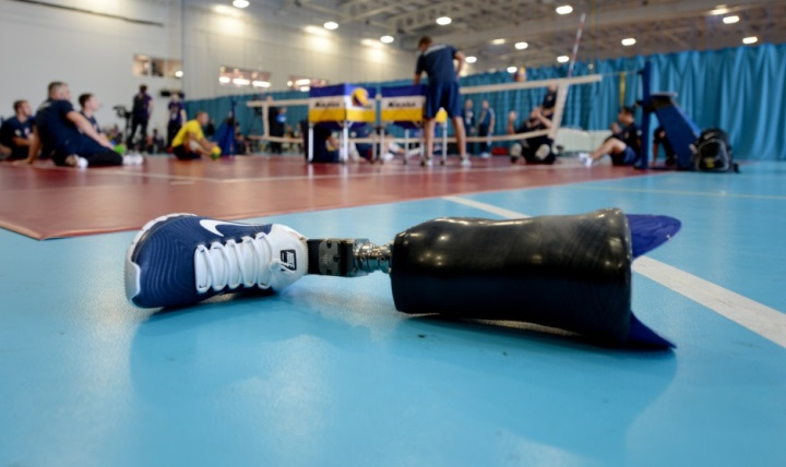Osseointegration, a process which attaches a prosthetic limb directly to the skeleton, can be an alternative option to traditional socket-based prosthetics for qualified patients. It is currently undergoing clinical trials at Walter Reed National Military Medical Center in Bethesda, Maryland. (U.S. Navy photo by Mass Communication Specialist 2nd Class Joshua D. Sheppard)