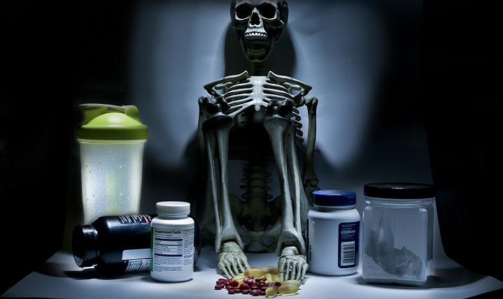 Stimulants and other ingredients in weight-loss supplements can potentially be dangerous to human health. (U.S. Air Force photo illustration by Staff Sgt. Alexandre Montes)